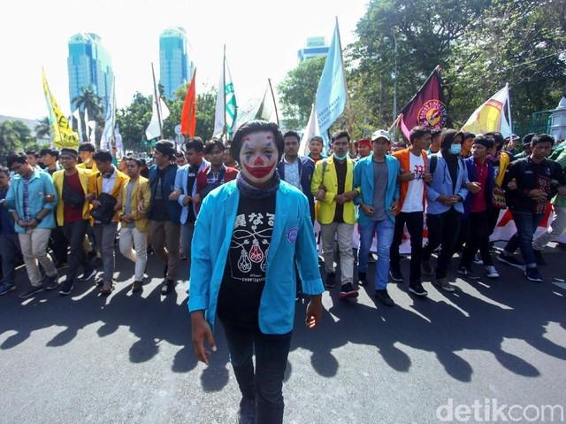 'Joker' Pimpin Demo BEM SI di Patung Kuda