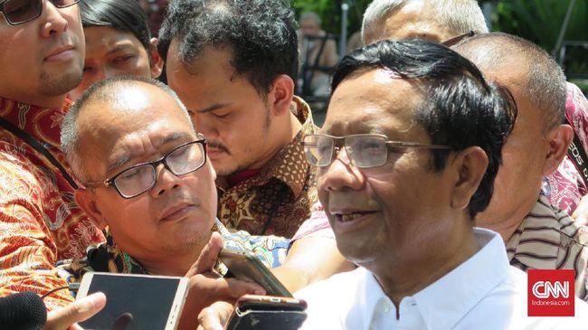 Anggota Dewan Pengarah Badan Pembinaan Ideologi Pancasila Mahfud MD mengaku diminta jadi menteri oleh Presiden Joko Widodo setelah berdiskusi soal hukum.
