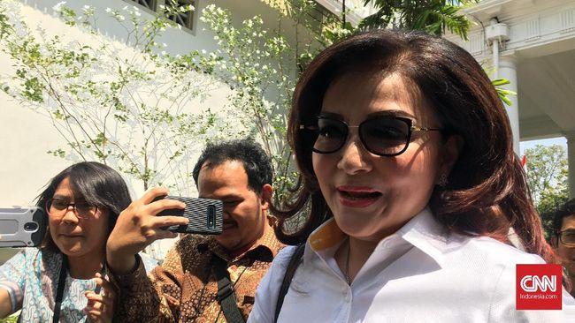 Bupati Minahasa Selatan, Christiany Eugenia Paruntu alias Tetty Paruntu menyebut kedatangannya ke Istana Negara, kemarin, karena diundang pihak Istana.