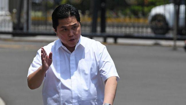 Menteri BUMN Erick Thohir mengatakan diberi larangan khusus oleh Jokowi dalam menjalankan tugasnya. Jokowi melarangnya membeli klub bola pakai uang BUMN.