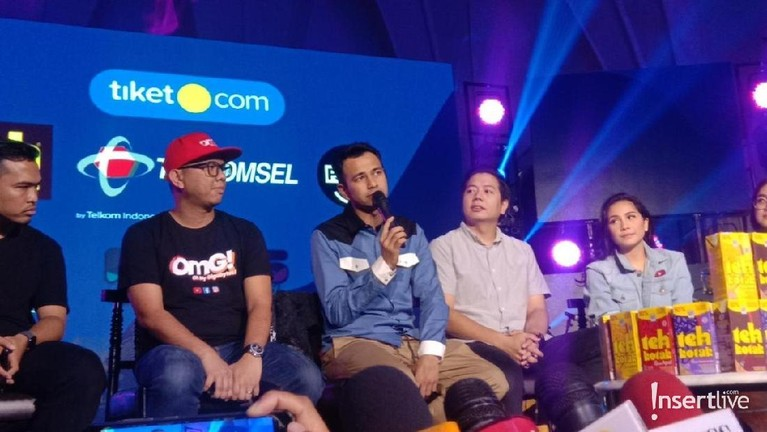 Raffi Ahmad saat hadir di acarapenyerahan Diamond Play Button dari Youtube untuk Rans Entertainment.