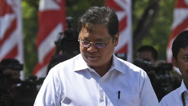 Menko Perekonomian Airlangga Hartarto mengaku akan memanggil BPK untuk mengecek kembali aliran dana desa dan jumlah desa yang ada di Indonesia.