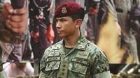 <p>Pangeran Mateen kerap mengunggah foto dirinya sedang menggunakan seragam tentara Brunei. (Foto: Instagram @tmski)</p>