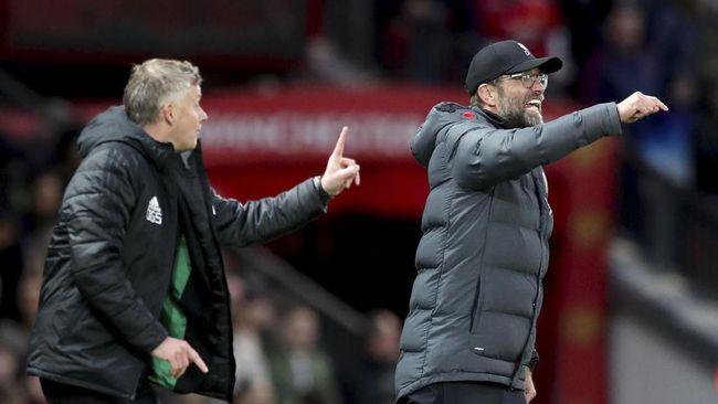 Pelatih Jurgen Klopp membela Ole Gunnar Solskjaer yang merombak skuadnya saat Manchester United kalah 1-2 dari Leicester City.