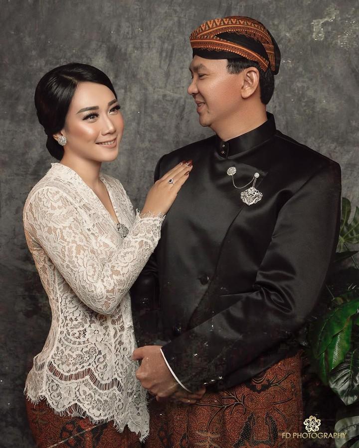 Basuki Tjahaja Purnama alias Ahok memerkan foto terbarunya bersama sang istri, Puput Nastiti Devi, di Instagram.