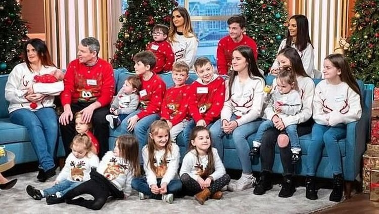 Ibu asal Inggris sudah memiliki 21 anak, kini ia sedang hamil anak ke-22.