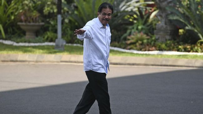 Presiden Jokowi kembali menunjuk Sofyan Djalil menjadi menteri agraria dan tata ruang/ kepala Badan Pertanahan Nasional.