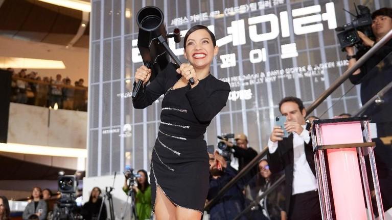 Selain replika robot, pada acara itu juga memperlihatkan senjata bazooka yang khas di film Terminator: Dark Fate.