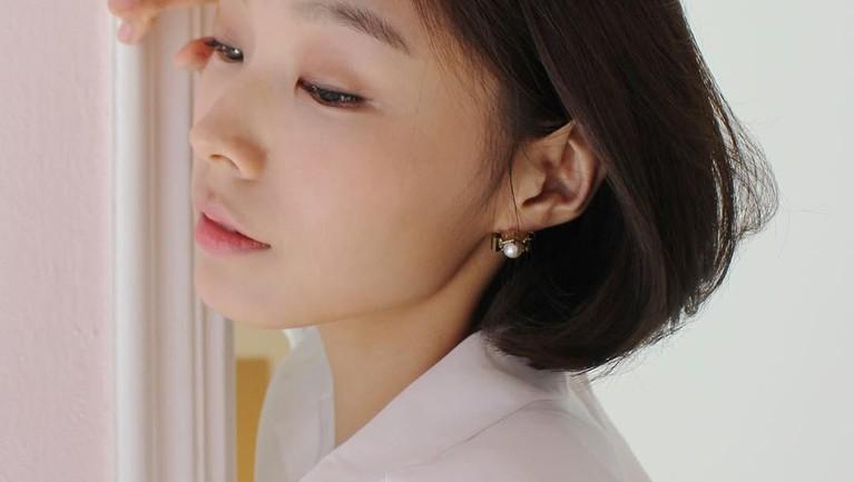 Terjun ke dunia model diakui olehnya berkat dorongan sang kakak yang memintanya untuk mengikuti Korea's Next Top Model.