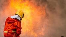 Kebakaran Besar di Makassar Hanguskan 28 Rumah Petak
