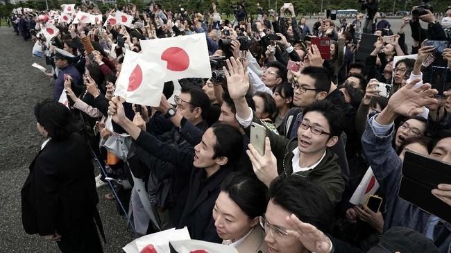 Kaisar Jepang, Naruhito, dan Permaisuri Masako hari ini menjalani upacara ritual sebagai bagian dari proses penobatan kekaisaran Tahta Seruni.