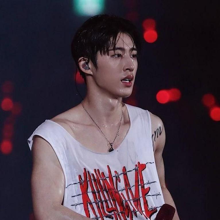 Mereka menyatakan kerinduannya kepada B.I apalagi dengan aksi panggung memukau B.I di atas panggung bersama iKON.