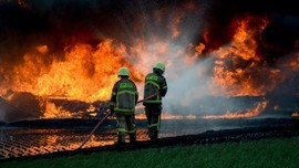 Gubernur Jabar akan Tegur KCIC soal Pipa Pertamina Terbakar