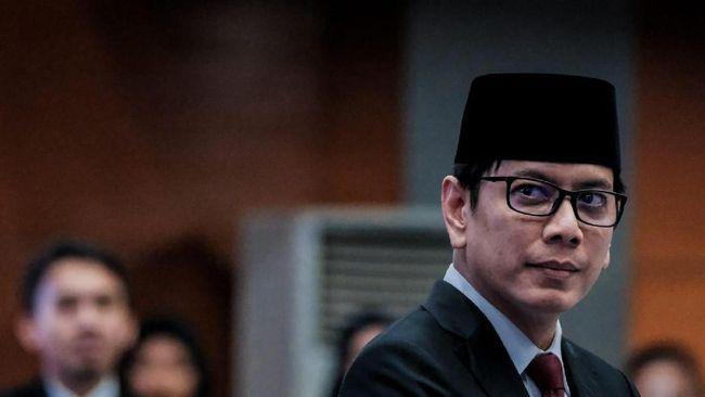 Eks Menteri Parekraf Wishnutama Kusubandio diangkat menjadi komisaris utama Telkomsel, tak lama setelah ia diangkat jadi komisaris Tokopedia lagi.