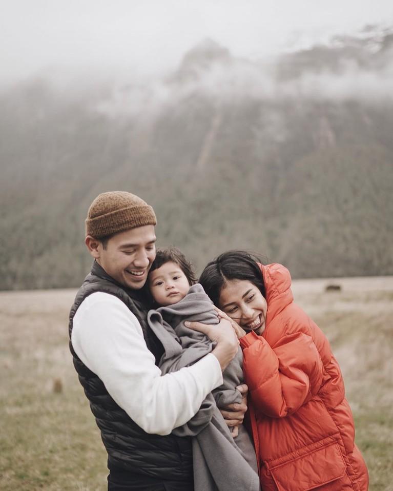 Membawa anak saat liburan tidak dirasakan tarra dan istri teralu repot karena Kalea cukup baik meskipunsempatmenangis tapi masi bisa diatasi.
