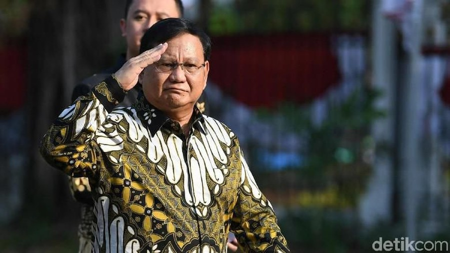 Jadi Menteri Pertahanan, Batik Prabowo Ungkap Simbol Pantang Menyerah