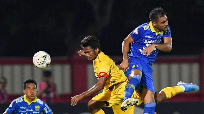 Persib Bandung meraih hasil maksimal usai menang 2-0 saat dijamu Kalteng Putra pada pekan ke-26 Liga 1 2019 di Stadion Tuah Pahoe, Palangkaraya.