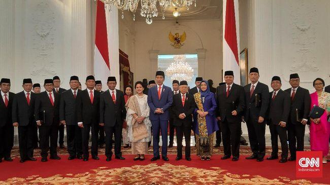 Sedikitnya sembilan menteri pada kabinet Jokowi periode sebelumnya dipertahankan pada Kabinet Indonesia Maju periode 2019-2024.
