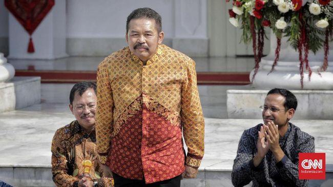 Jaksa Agung ST Burhanuddin menyebut Tragedi 1965, Semanggi I dan II tidak masuk kasus pelanggaran HAM berat berdasarkan rapat paripurna DPR beberapa waktu lalu.