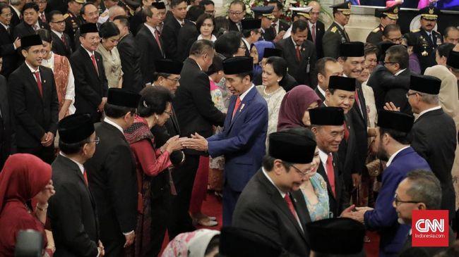 Sejumlah menteri muncul di survei capres 2024 mulai dari Prabowo, Sandiaga, Airlangga Hartarto, hingga Erick Thohir. Pengamat nilai peta koalisi kelak berubah.