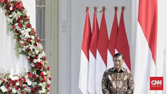 Menko Maritim dan Investasi Luhut Binsar Panjaitan meminta masyarakat Indonesia tidak terlalu heboh dengan peristiwa pengiriman rudal oleh Iran ke pasukan AS.