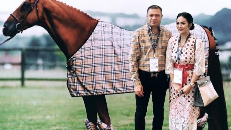 Krisdayanti dan Raul Lemos menikah sejak Maret 2011.