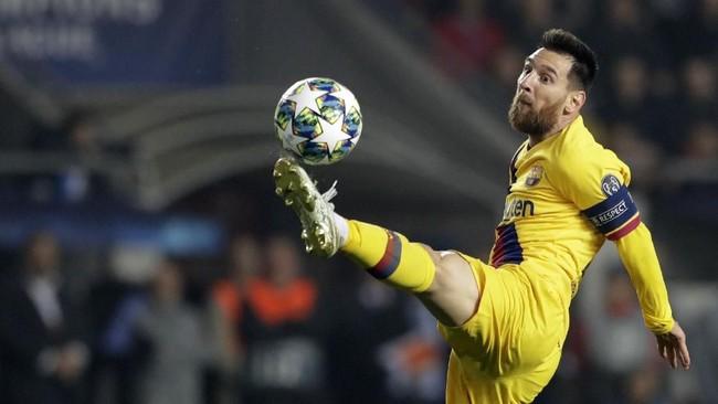 FOTO: Gol Bunuh Diri Bantu Barcelona Menang di Liga Champions