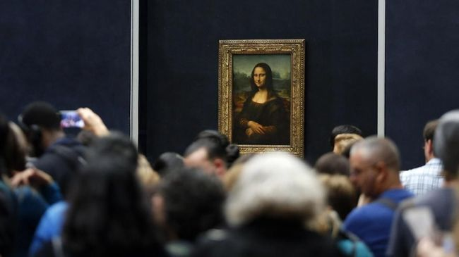 Leonardo Da Vinci tumbuh besar di lingkungan seniman di Italia. Sejumlah karya lukisnya menjadi sejarah dalam kesenian.