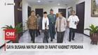 VIDEO: Gaya Busana Ma'ruf Amin di Rapat Kabinet Perdana