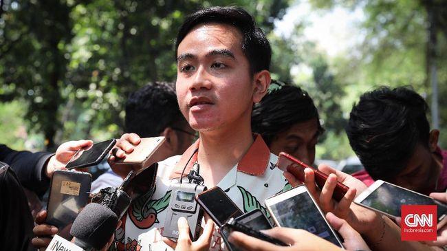 Putra Jokowi, Gibran Rakabuming Raka mengagumi sosok Menteri Pendidikan dan Kebudayaan Nadiem Makarim. Ia terinspirasi oleh gebrakan inovasi Nadiem.