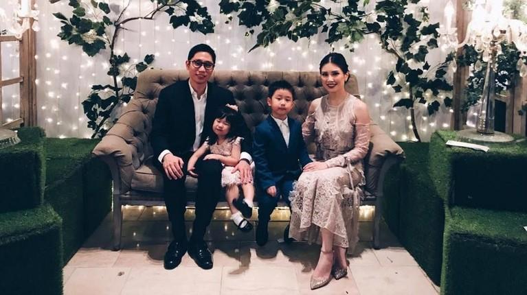 Pada 2012 lalu, Angela Tanoesoedibjo menikah dengan Michael Dharmmajaya di Bali. Angela kini dikaruniai dua orang anak yaitu Theodore Maximilian Dharmajaya dan Madeline Dharmajaya.