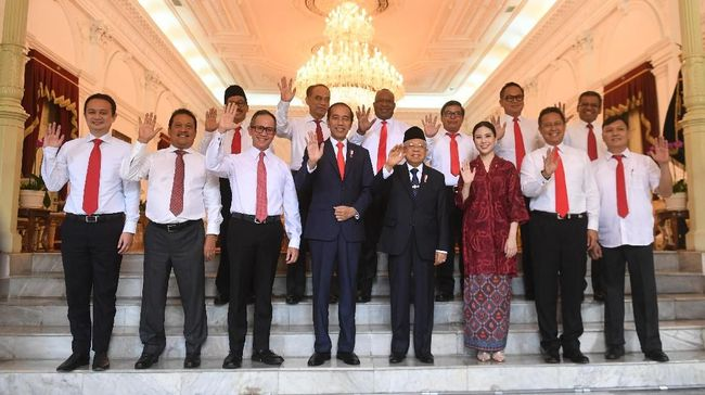 Presiden Jokowi menegaskan ada beberapa kementerian yang memiliki tugas sangat berat, sehingga membutuhkan wakil menteri agar pemerintahan berjalan maksimal.