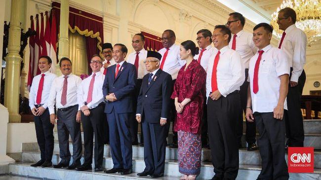 Selain jabatan bergengsi, 12 wakil menteri yang dipilih Presiden Joko Widodo akan menerima gaji, tunjangan dan fasilitas negara.