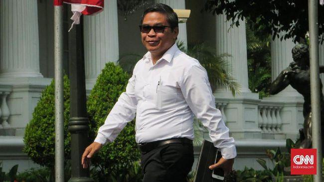 Deputi Badan Restorasi Gambut, Alue Dohong, menyatakan dirinya ditunjuk Joko Widodo untuk membantu Siti Nurbaya di Kementerian KLHK.