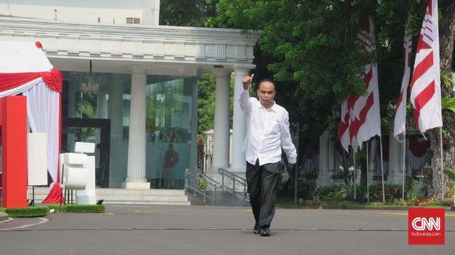 Sempat menyatakan bubar karena kecewa Prabowo Subianto dipilih menjadi menteri, Ketum relawan Pro Jokowi (Projo) kini menegaskan tetap ada.