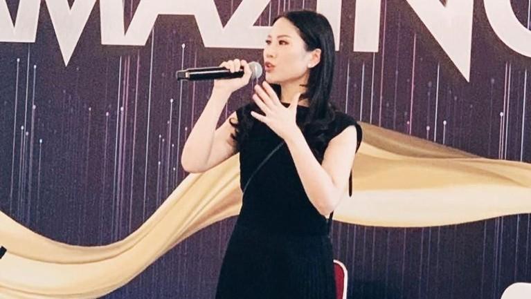 Angela sendiri memulai kariernya sebagai Editor in Chief di HighEnd Magazine dan HighEnd Teen Magazine pada 2008 silam. Hingga ia dipercaya untuk menjadi Co-Managing Director di MNC Channel.