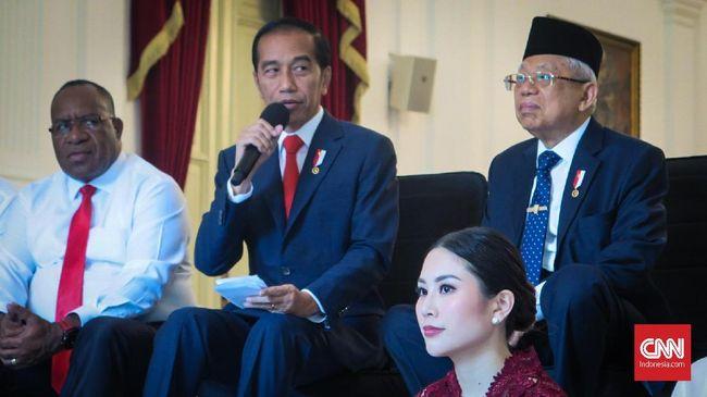 Sejumlah warganet mengaitkan zaman Orba Soeharto dengan momentum satu tahun jabatan Presiden Jokowi dan Wapres Ma'ruf Amin.