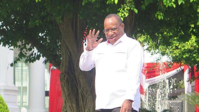 Mantan Bupati Jayawijaya, John Wempi Wetipo, menjadi satu nama wakil Papua yang diproyeksikan mengisi pos wakil menteri Kabinet Indonesia Maju.