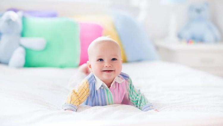 Daftar nama bayi bermakna kreatif berikut ini bisa jadi inspirasi Bunda untuk calon jagoan kecil. Dengan harapan, si kecil kelak menjadi anak yang kreatif.