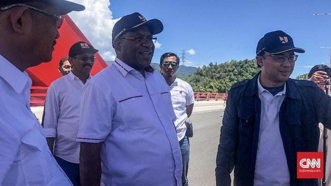 Wamen PUPR Wempi Wetimpo meminta agar oknum penyerang pegawai PUPR di Papua tidak menghambat pembangunan di Papua.