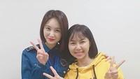 Dalam Drama Voice 3, Yannie Kim juga membagikan foto bareng Park Eun Soo. Ada yang mengikuti jalan ceritanya juga enggak nih, Bun? Pasti sudah enggak asing dong.