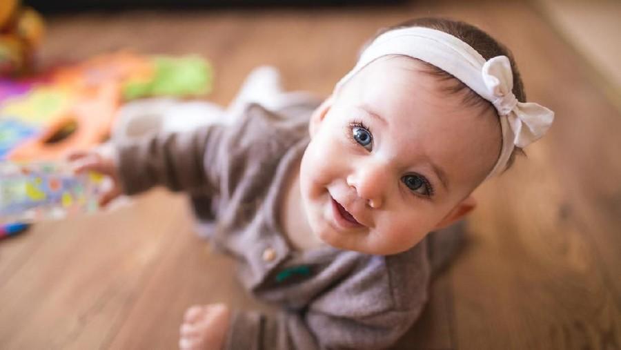 15 Inspirasi Nama Bayi Perempuan Bermakna Keajaiban