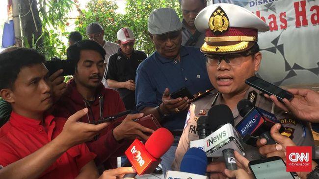 Polisi menetapkan sopir bus Transjakarta yang terlibat dalam kecelakaan mobil istri jenderal Polri sebagai tersangka namun tak menahannya.
