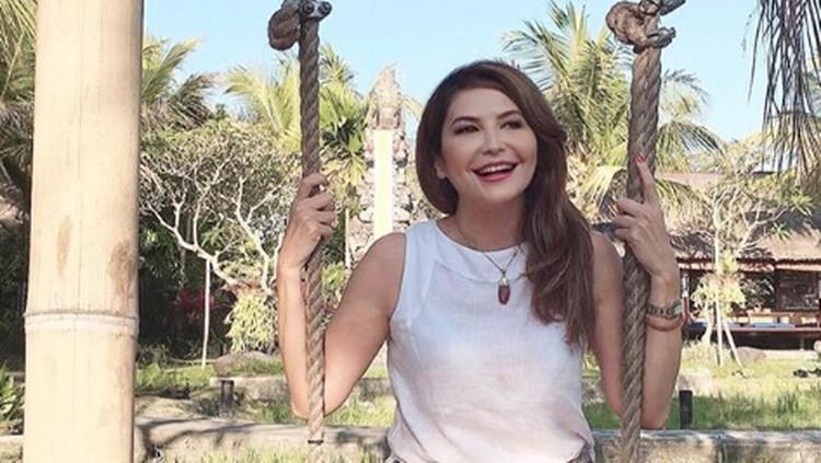 Tamara Bleszynski angkat bicara soal selebriti yang pamer saldo ATM. Banyak netizen juga mendukung pendapatnya ini.