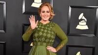 <p>Terbukti, Bun, tubuh Adele terlihat semakin langsing. Siapa yang ikut pangling melihatnya? (Foto: Not to Love)</p>