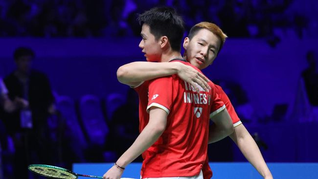 Tiga wakil Indonesia akan berlaga di babak semifinal BWF World Tour Finals. Berikut jadwal siaran langsung turnamen tersebut.