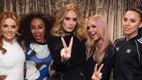 <p>Baru-baru ini, penggemar Adele dikejutkan dengan foto perubahan tubuh Adele ketika ia mendatangi konser grup Spice Girls. Wow, Adele pun terlihat makin bersinar. (Foto: Instagram @spicegirls)</p>