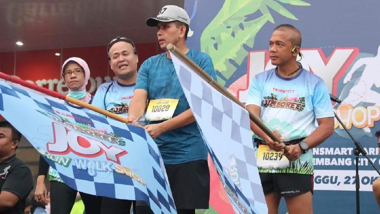 Ini dia potret keseruan acara Joy: Run Walk Shop bersama Transmart Padang.