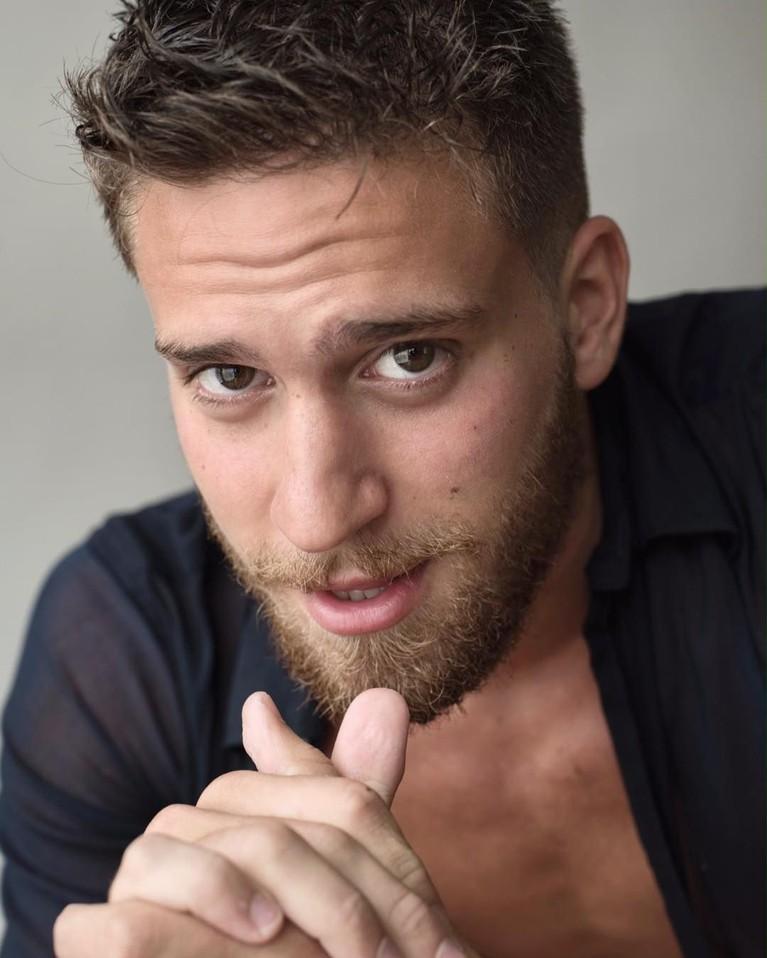 Tak hanya bekerja sebagai model, Betsalel juga merupakan dikenal sebagai aktor dan pernah tergabung dalam Teater Cours Florent.