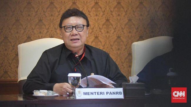 Menpan RB Tjahjo Kumolo mengaku sedang mempersiapkan reformasi sistem pensiunan PNS dengan mengubah uang pensiun dari manfaat pasti ke iuran pasti.